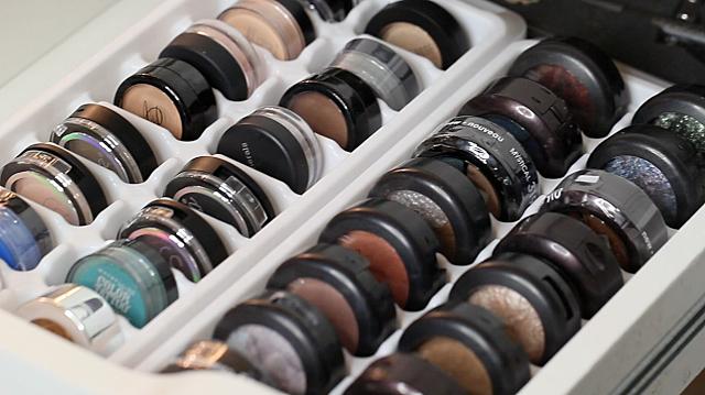 trucs rangements maquillage julie 39 s closet. Black Bedroom Furniture Sets. Home Design Ideas
